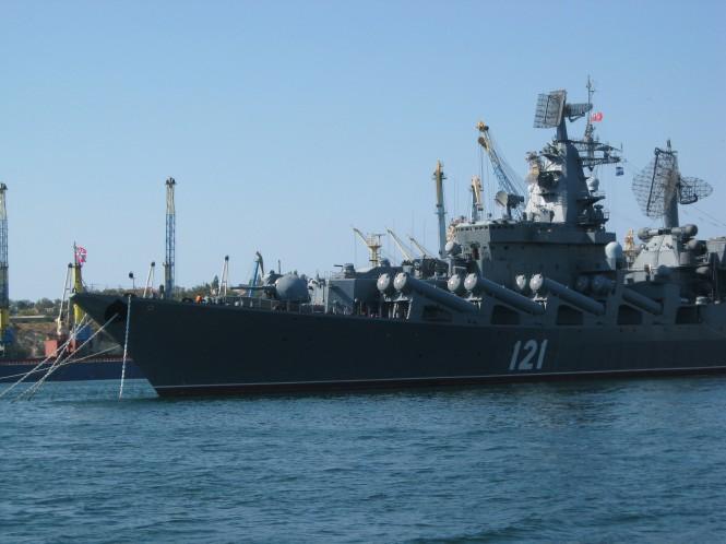 De Russische Zwarte Zee vloot in de haven van Sevastopol, Oekraine