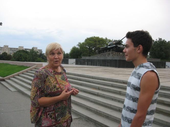 Larisa en één van haar leerlingen, Andrej